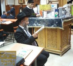 הרב מיכאל לסרי עם קבוצה באומאן - נו , רואים במציאות ש.., בסוף כל העולם יהיו ברסלב !!!