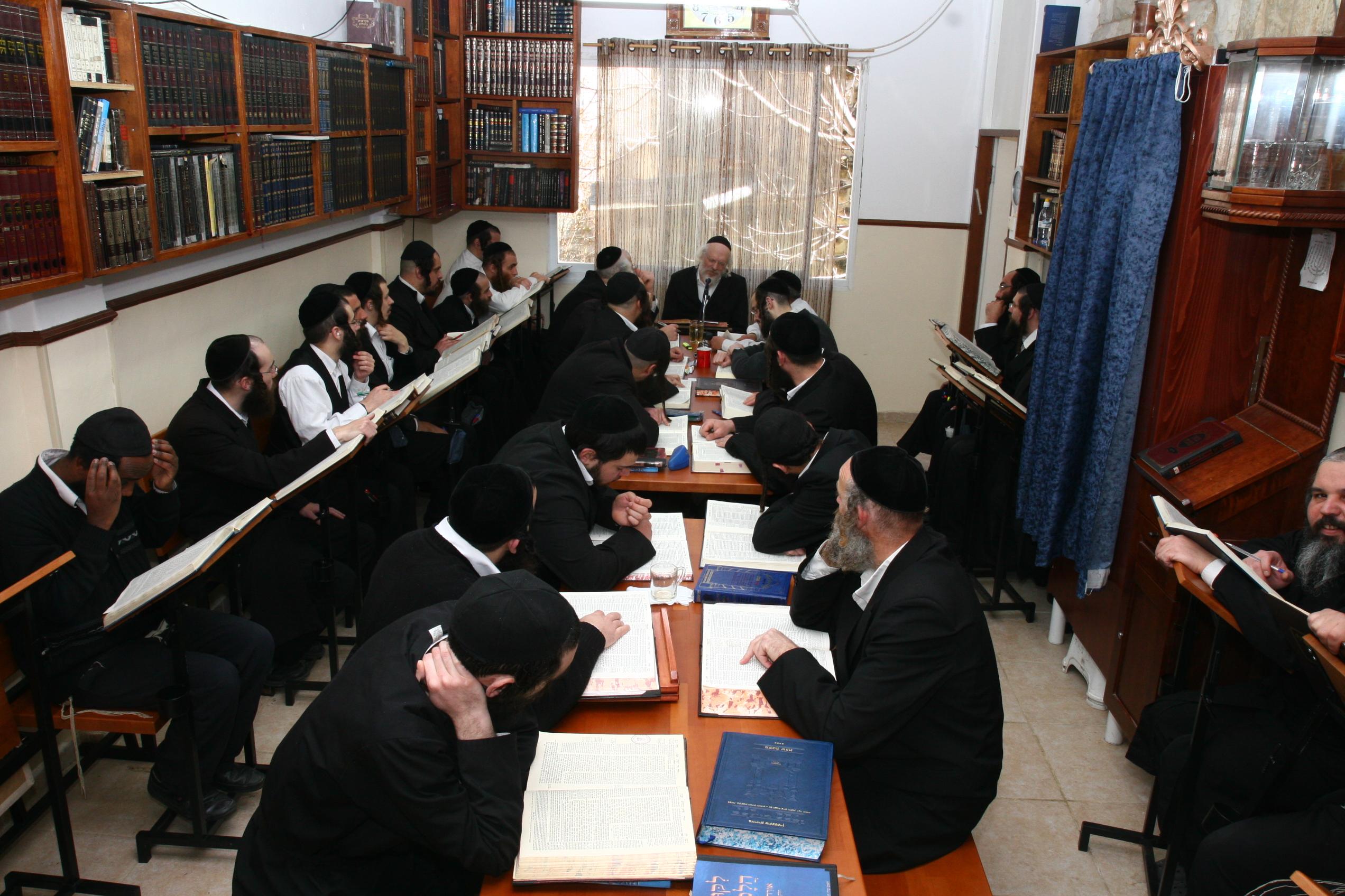 ישיבת ברסלב,נצח מאיר,חדר לימוד,לימודי תורה,לומדי תורה