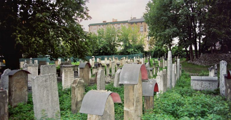 קברי צדיקים בפולין